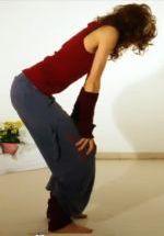 Beschreibung: Übung des Monats: Gorilla Yoga Pranayama Atemübung