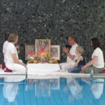 Yoga, Schwimmen, Sauna, Massage und Meditation