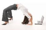 Übung des Monats: Business Yoga Übungsreihe - Beine