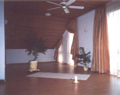 yoga schule maria dirks der yoga raum. Black Bedroom Furniture Sets. Home Design Ideas