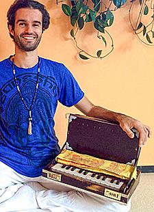 Harmonium- und Kirtan Woche mit Devadas