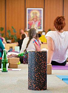 Faszien Yoga mit Stimulation von Akupunkturpunkten
