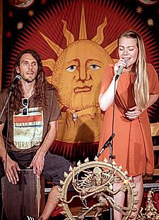 Mantra-Konzert mit Janin Devi und André Maris