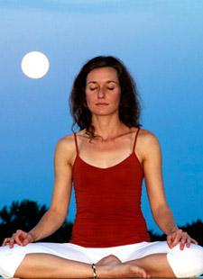 Entdecke deine weibliche Urkraft mit Yoga
