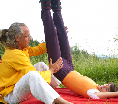Hangab - Savasana zwischen Himmel und Erde - Yoga Vidya ...