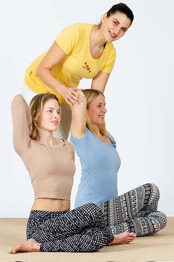 Adjustment - Yogalehrer Weiterbildung