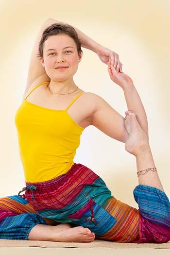 Yoga Vidya Fortgeschrittener Asana Kurs - Online Kurs Reihe