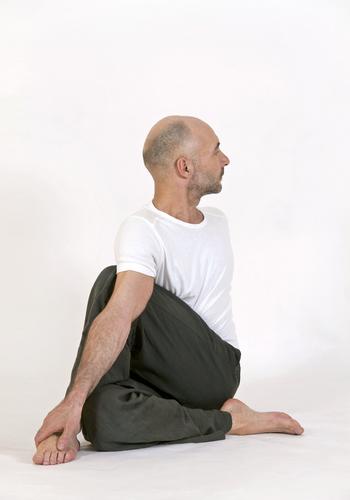 Hatha Yoga, Entspannung und Stress Management - Yogalehrer Weiterbildung - Live Online