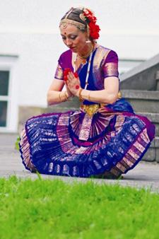 Indischer Tanz und Yoga