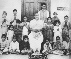 Schüler der Sivananda-Grundschule